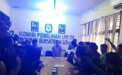 """Gagal Ikut """"Bertarung"""", JR Saragih- Ance Tolak Putusan KPU"""