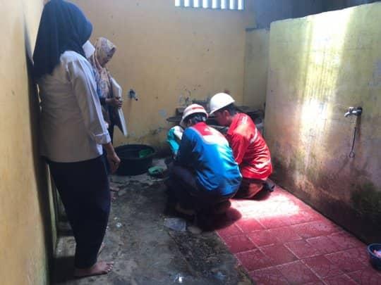 """Diduga Mengandung Minyak, Pertamina """"Safety kan"""" Sumur Warga"""